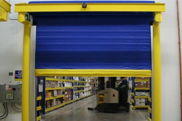 albany-doors-assa-abloy-overhead-cold-storage-door-birmingham-al-translift-loading-dock-equipment-600x400