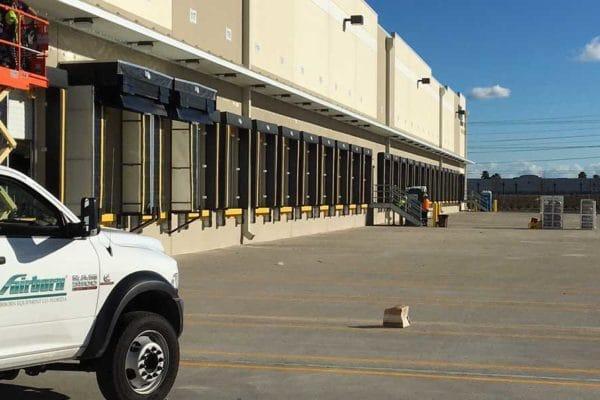 fairborn-equipment-loading-dock-shelters-birmingham-al-DOCK-SEALS-2-600x400